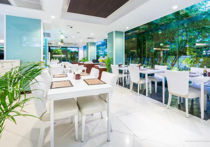 iCheck-inn-Mayfair-Pratunam-Bangkok-Restaurant
