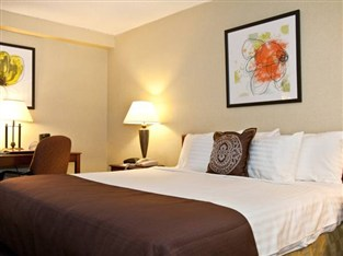 Best Western Mill River Manor Hotel