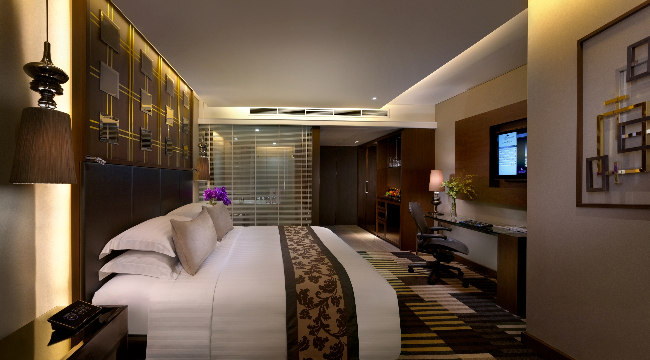phong-ks-the-landmark-bangkok-hotel